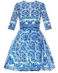 Robe patineuse imprimée blanc et bleu