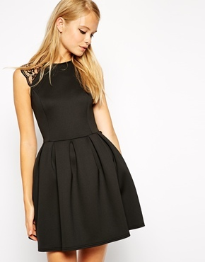 f49cf7ef045 ... Robe patineuse noire Asos ...