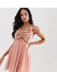 Robe trapèze brodée rose ASOS DESIGN