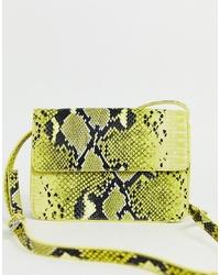 Sac bandoulière en cuir imprimé serpent chartreuse Pieces