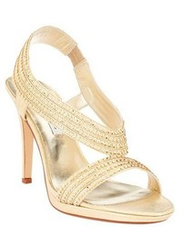 Sandales à talons dorées