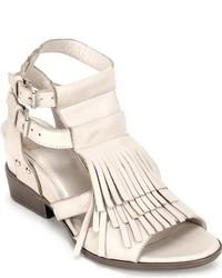 Sandales à talons en cuir à franges blanches