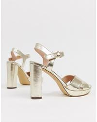 Sandales à talons en cuir dorées New Look