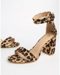 Sandales à talons en cuir imprimées léopard marron clair