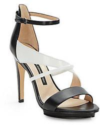 Sandales à talons en cuir noires et blanches