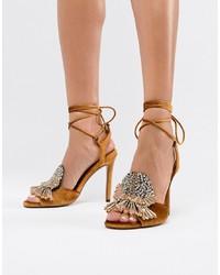 Sandales à talons en cuir ornées jaunes