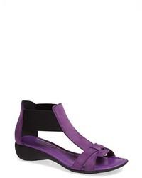 Sandales à talons en cuir pourpres