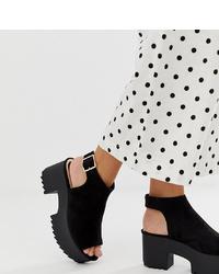 Sandales à talons en daim épaisses noires Stradivarius