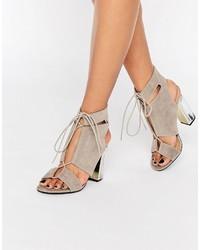 Sandales à talons en daim grises