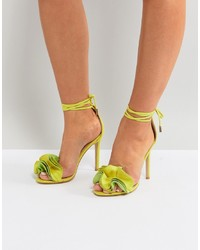 Sandales à talons en daim jaunes Public Desire