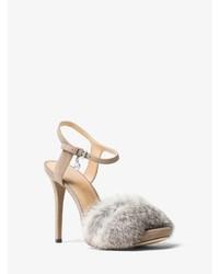 Sandales à talons en fourrure grises Michael Kors