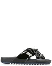 Sandales brodées noires Fendi