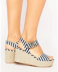 Sandales compensées à rayures horizontales bleu clair Love Moschino