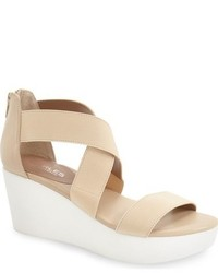 Sandales compensées élastiques beiges