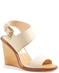 Sandales compensées en cuir beiges