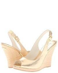 Sandales compensées en cuir dorées