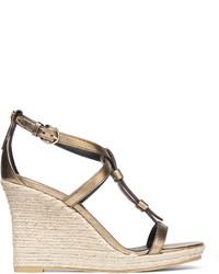 Sandales compensées en cuir dorées Burberry