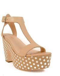 Sandales compensées en cuir marron clair