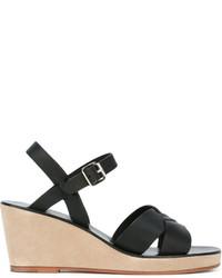 Sandales compensées en cuir noires A.P.C.