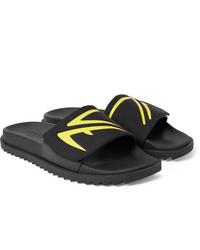 Sandales en caoutchouc noires Fendi