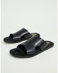 Sandales en cuir noires Base London