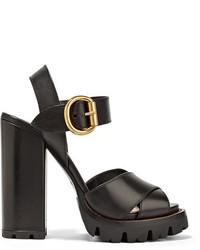 Sandales en cuir noires Prada