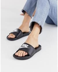 Sandales plates en caoutchouc noires Nike