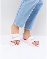 Sandales plates en caoutchouc roses Nike