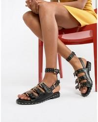 Sandales plates en cuir à clous noires Missguided