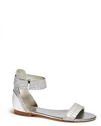 Sandales plates en cuir argentées