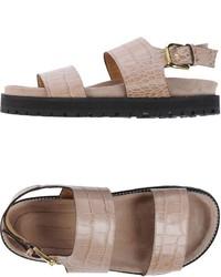 Sandales plates en cuir beiges