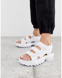 Sandales plates en cuir blanches Fila