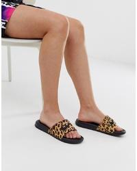 Sandales plates en cuir imprimées léopard marron clair Nike