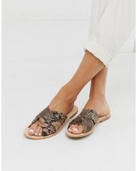 Sandales plates en cuir imprimées serpent marron clair Free People