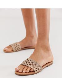 Sandales plates en cuir marron clair New Look