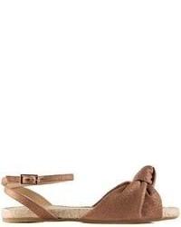 Sandales plates en cuir marron