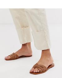 Sandales plates en cuir marron Mango