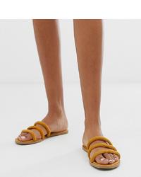 Sandales plates en cuir moutarde New Look