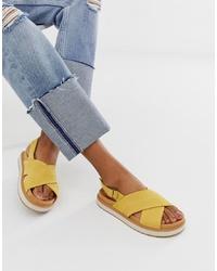 Sandales plates en cuir moutarde Toms
