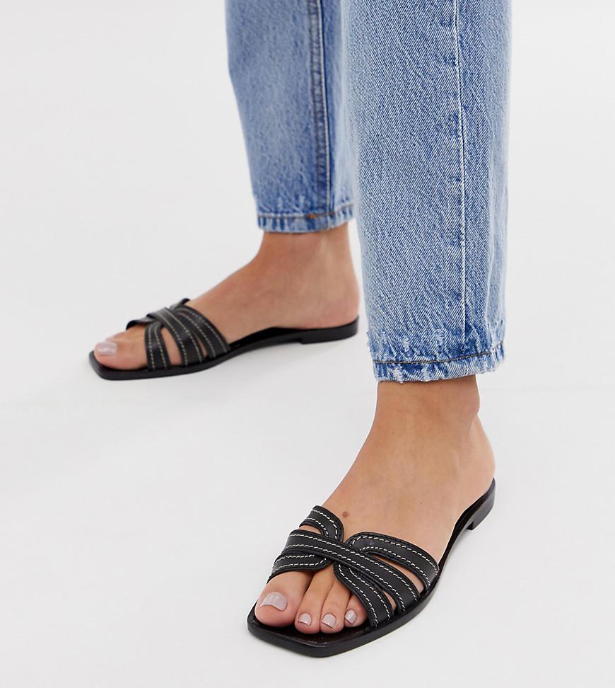 Sandales plates en cuir noires Mango