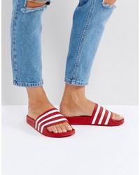 Sandales plates rouges adidas