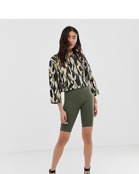 Short cycliste olive