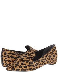Slippers en daim imprimés léopard marron