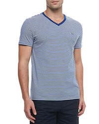 T-shirt à col en v à rayures horizontales blanc et bleu marine