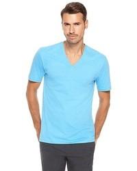 T-shirt à col en v bleu clair