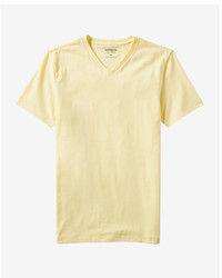 T-shirt à col en v jaune
