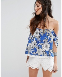 Top à épaules dénudées à fleurs bleu Lovers + Friends