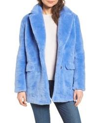 Veste de fourrure bleue